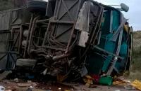 """El micro que volcó en Mendoza """"no estaba habilitado"""", advierte el ente regulador del Transporte"""