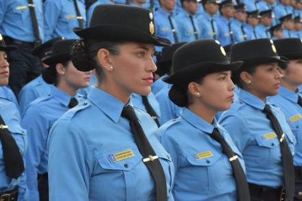 MUJER-POLICIA.jpg