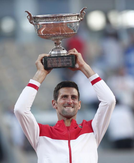 Djokovic venció a Tsitsipas y se consagró campeón en Roland Garros