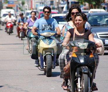 Motociclistassincasco.jpg