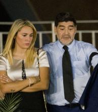 Nuevo escándalo de Maradona: se peleó a los gritos con su mujer en Madrid