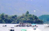 Búsqueda de desaparecidos tras el naufragio en Colombia