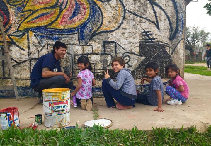 Unarte: el grupo de artistas que busca embellecer los barrios de Resistencia