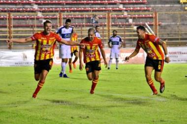 Sarmiento triunfo.jpg