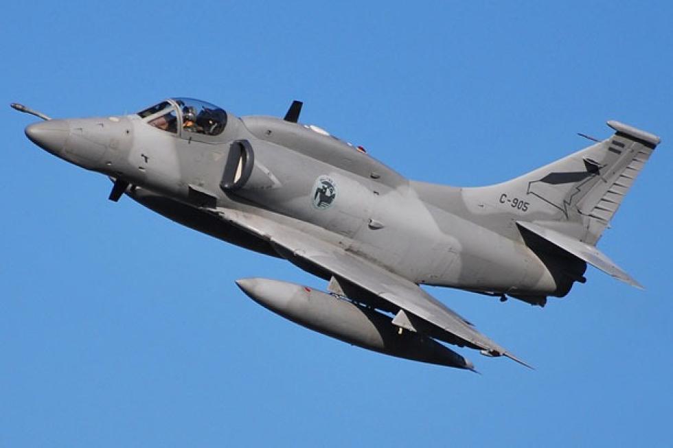 Cazabombardero A-4AR FightingHawk.jpeg