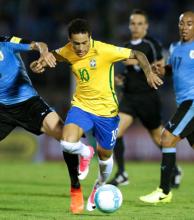 Brasil goleó a Uruguay en Montevideo y quedó cerca de Rusia-2018