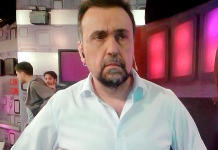 Echaron al periodista Roberto Navarro de la señal C5N