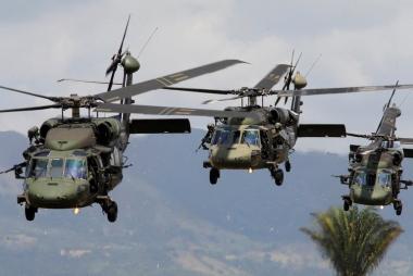 Helicópteros UH-60 Black Hawk.jpg