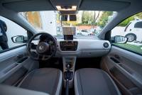 coche-electrico-volkswagen-e-up-interior.jpg