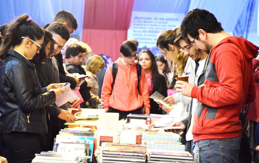 jovenes lectura.jpg