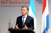 """""""La herramienta principal para construir el futuro es el diálogo"""", dijo Macri desde Holanda"""