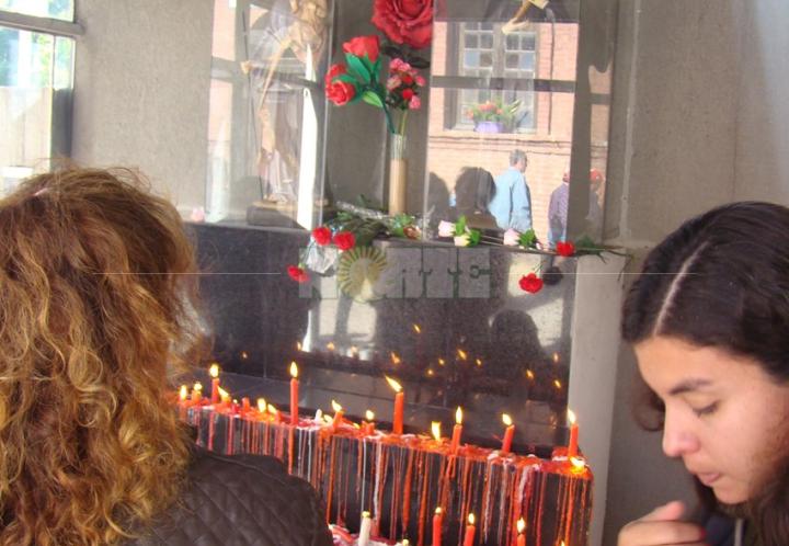 Santa Rita congregó a miles de devotos en Puerto Tirol