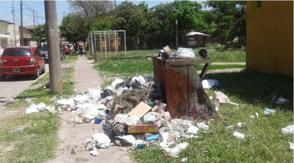 basural barrio España.jpg