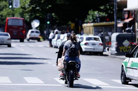 motociclistas sin casco.JPG