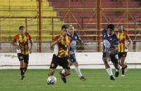 Sarmiento afuera de la lucha por el primer ascenso