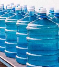 Brindan recomendaciones sobre el consumo de aguas envasadas
