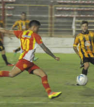 Sarmiento se juega el pase a semifinales en Santiago sin público visitante