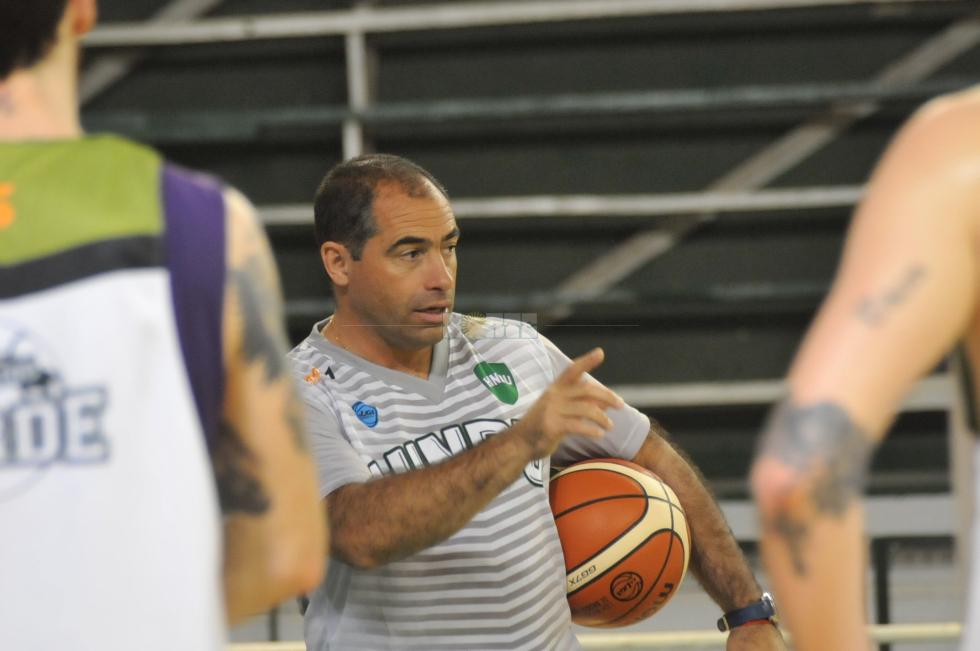 Coach2.jpg