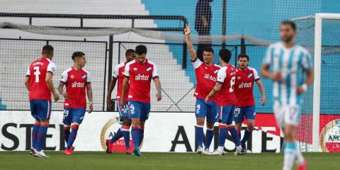 La Academia volvió a la Libertadores con una derrota en casa ante Nacional