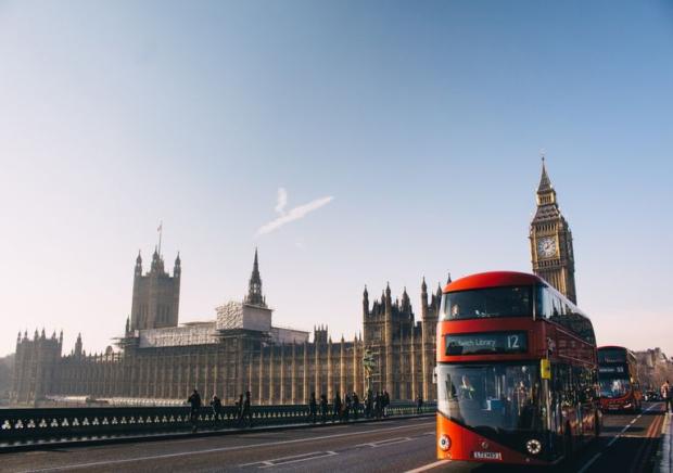 El Reino Unido prohibe automóviles de gasolina y diesel para 2030 | Norte Chaco