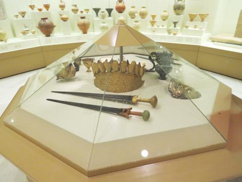 Museo de Micenas. Máscara de Agamenon.jpg