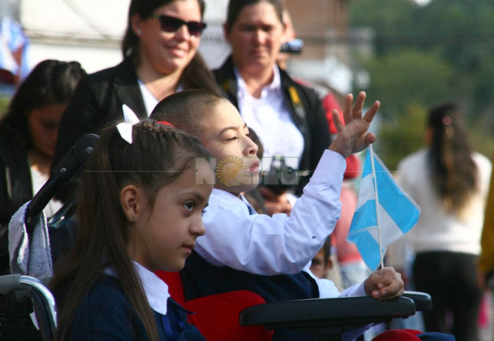 Resistencia teñida de celeste y blanco celebró el Día de la Bandera