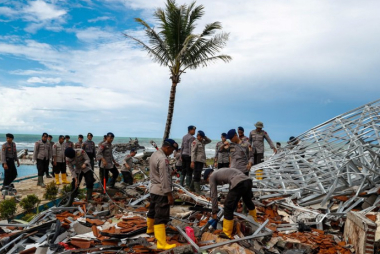 tsunami01.jpg