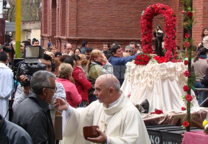 Santa Rita y su devoción popular en Puerto Tirol