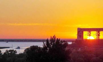 A orillas del Paraná, San Pedro sorprende por su combinación de naturaleza, historia y entretenimiento