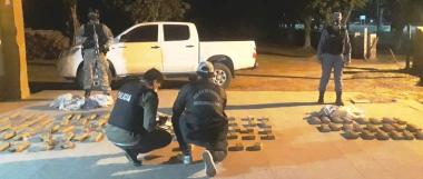 thumbnail_La Policía secuestró 145 panes de marihuana en Villa General Guames con un avalúo de  más de 8 millones de pesos...jpg