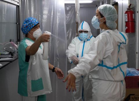 Confirmaron 345 muertes y récord de contagios con 12.701 en las últimas 24 horas