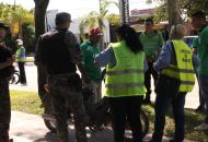 Motociclistas sin casco aseguran desconocer la normativa vigente sobre el derecho municipal del secuestro de motos