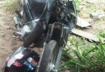 Murió el motociclista que chocó un caballo
