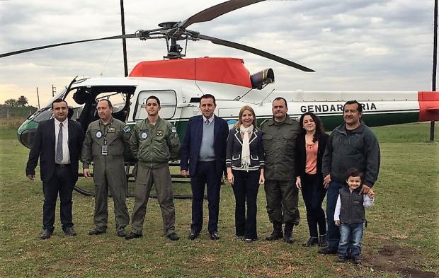 Resultado de imagen para helicóptero de la Gendarmería + alurralde
