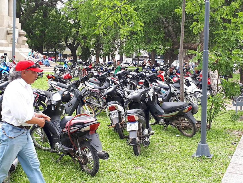 motos plaza 2.jpg
