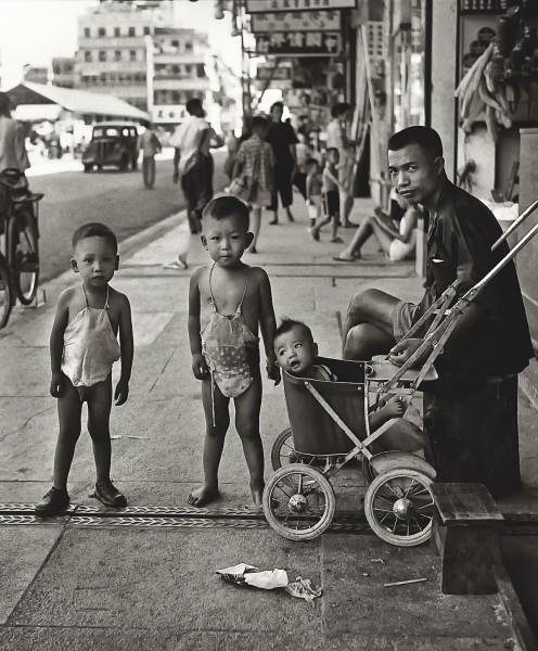 Fan-Ho-Waiting-for-Mom媽媽終會回來-Hong-Kong-1950s-and-60s-courtesy-of-Blue-Lotus-Gallery.jpg