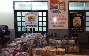 """Lanchas clandestinas hacen """"2 por 1"""" en la Triple Frontera"""