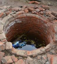 Encuentran muerto a un hombre dentro de un pozo con agua