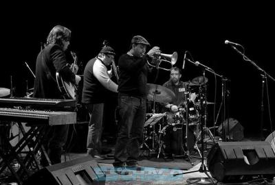 Jazz Makers Suena Bien