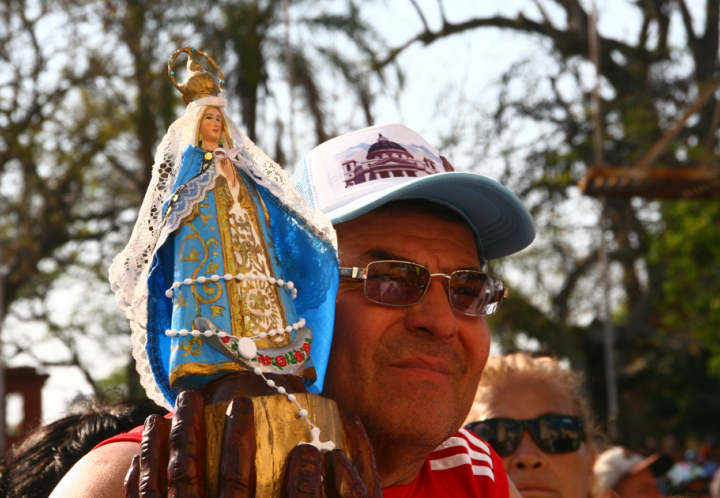 Jóvenes peregrinos renovaron su fe en la Virgen de Itatí