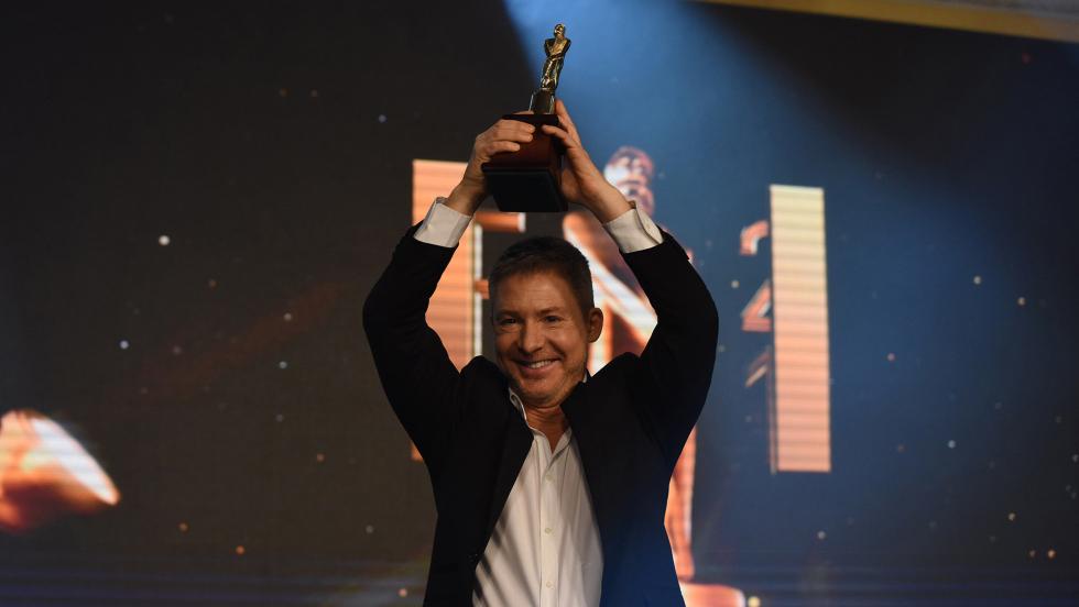 """""""El Host"""" también se llevó el premio a mejor programa de juegos entretenimiento reality humor.jpg"""