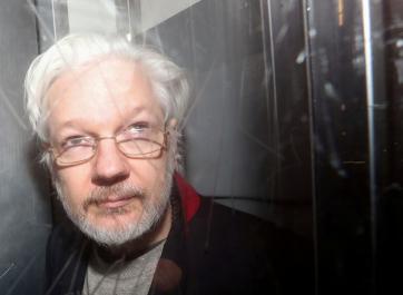 """La defensa de Assange revela que Trump le ofreció el indultosi negaba la """"trama rusa"""" en las elecciones de 2016"""