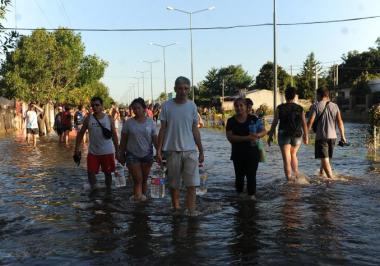 emilia evacuados.jpg