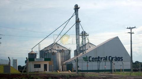 Central acopio de granos.jpg