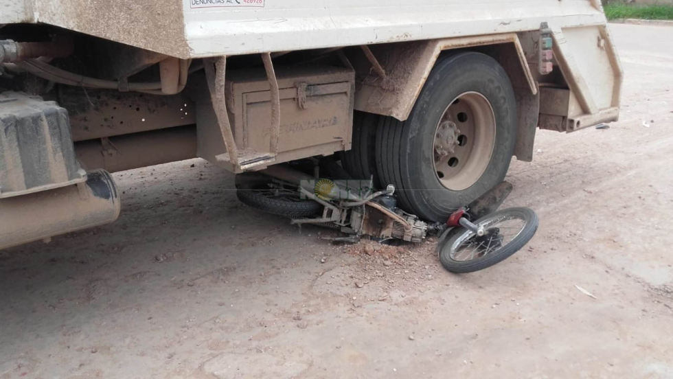 58moto y camión.jpg