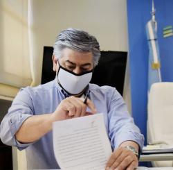 Insssep: polémica por una supuesta vacunación selectiva