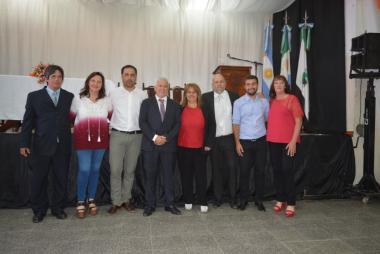Los 7 concejales junto al intendente Polini.jpeg