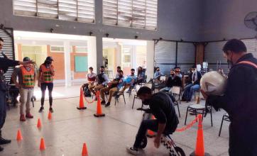 Capacitaron sobre seguridad a alumnos de Presidencia de La Plaza